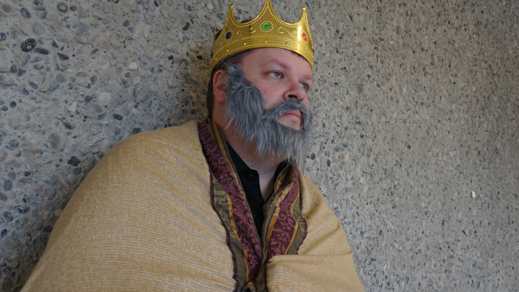 the significance of the sub plot in king lear King lear wants to be flattered due to his excessive pride, while gloucester is fooled due to his excessive fatherly trust the endings are slightly different the subplot ends on a significantly more positive note than the main plot edgar survives to rule england, while in the main plot cordelia and lear die.